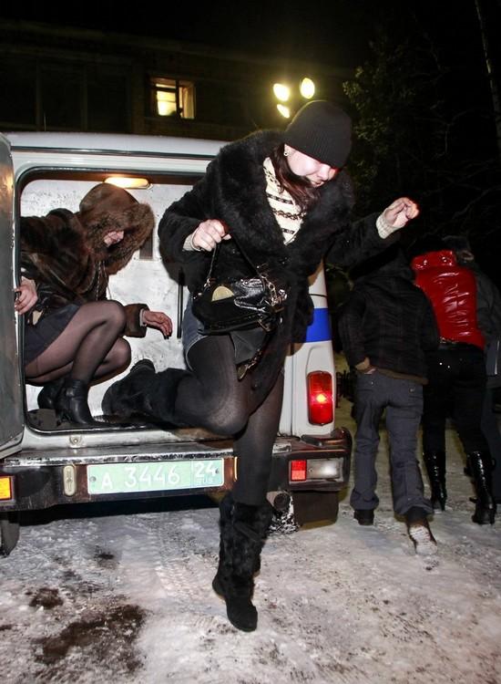 Следит за проститутками проститутка творит чудеса