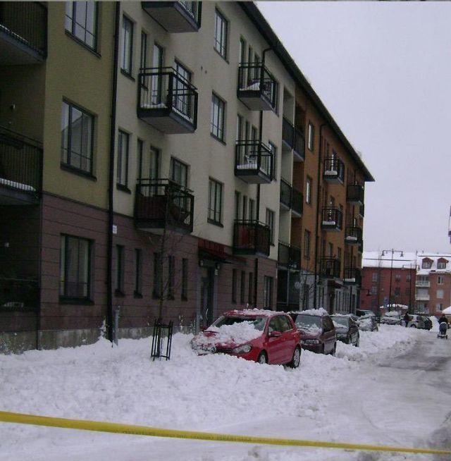 snow-roof-02