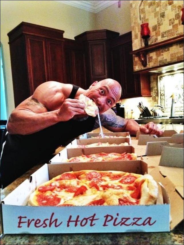 Дуэйн Джонсон на кухне. Завтрак чемпиона