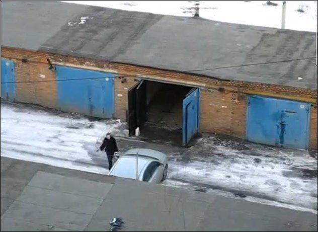 Как правильно ставить машину в гараж