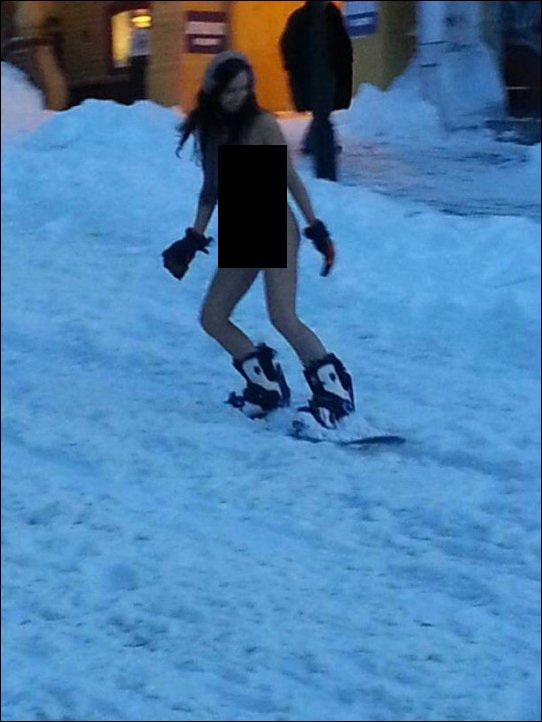 Катание на сноубордах на Андреевском спуске