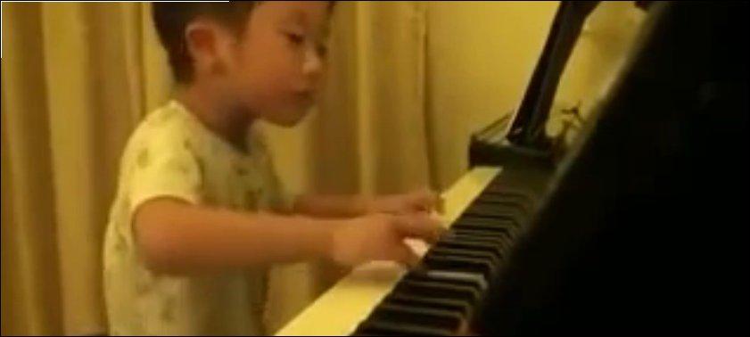 Шестилетний пианист