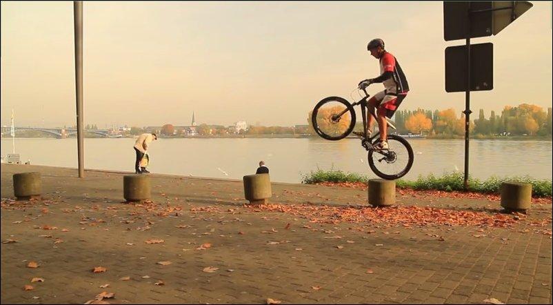 Крутые трюки на велосипедах