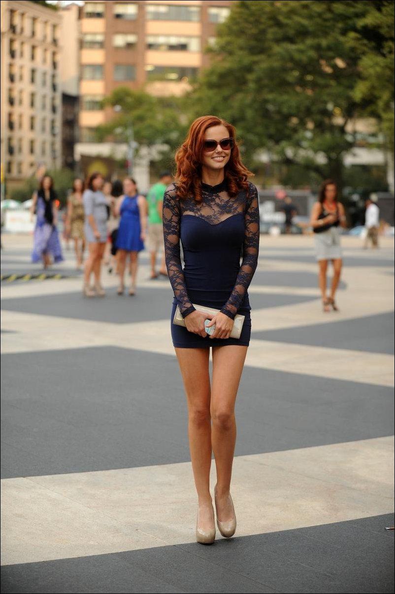 Строиненькие ножки юбки фото 24 фотография