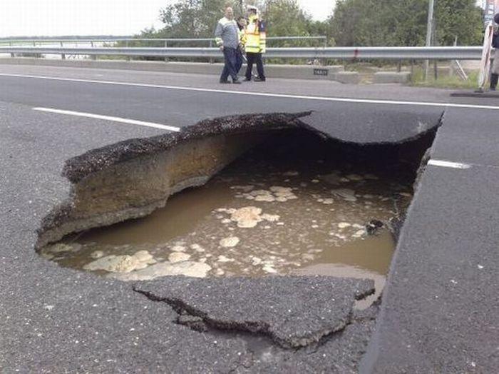 hole-on-road-02