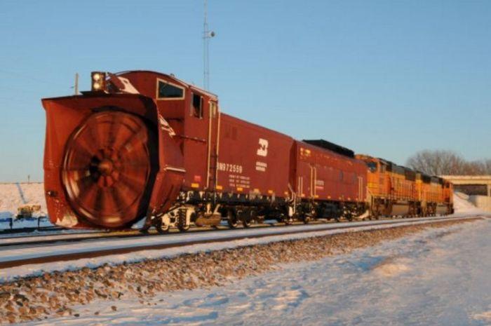 snow-train-01