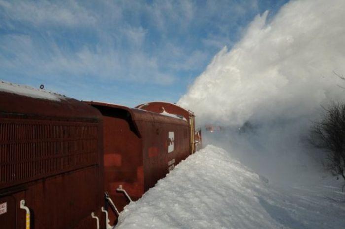 snow-train-02