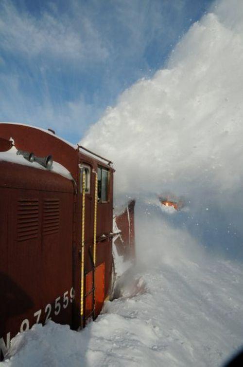 snow-train-05