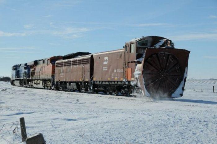 snow-train-13