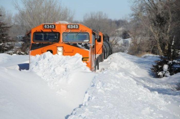 snow-train-16