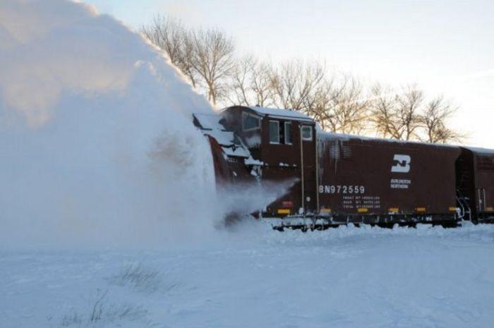 snow-train-18