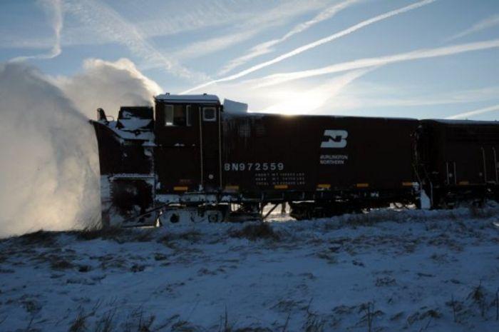 snow-train-23