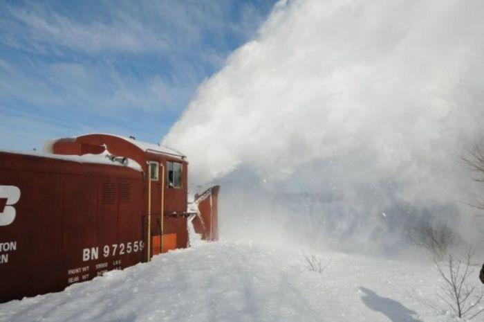 snow-train-27