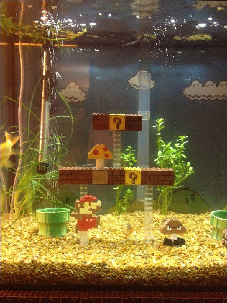 Супер Марио в аквариуме