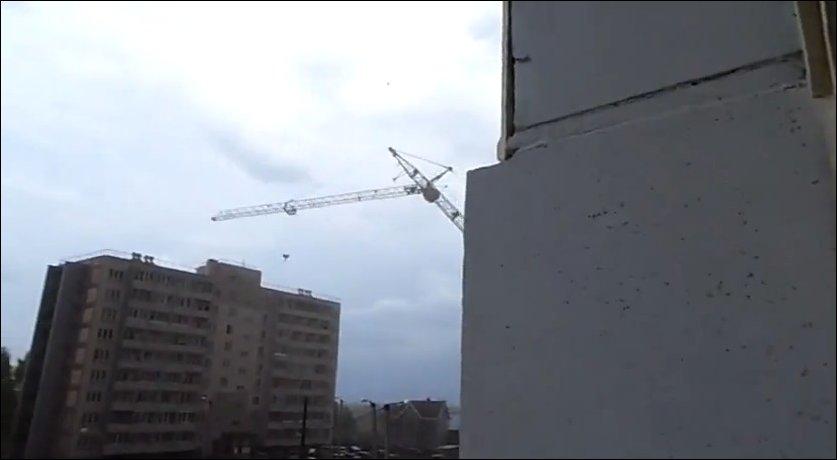 Падение башенного крана в Кирове