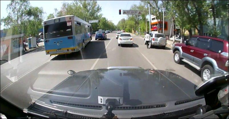 Алматинские стритрейсеры