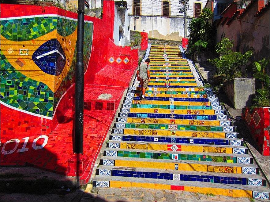 Украшение городских лестниц