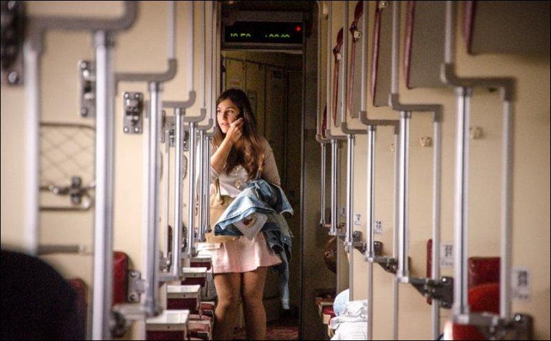 Сидела дрочила с викой в поезде возбужденная пизда