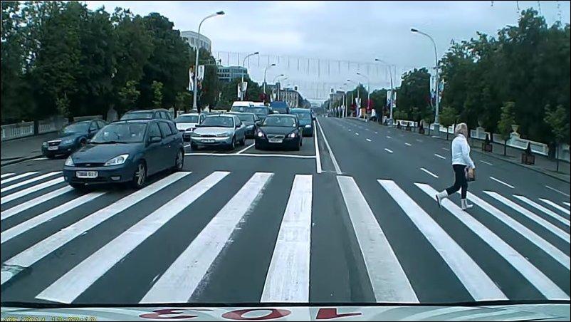 Как ездит скорая по Минску