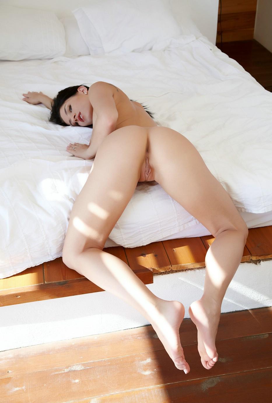 aprilia-nude-13