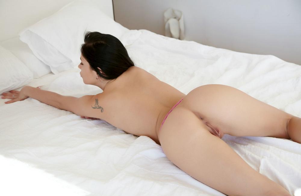 aprilia-nude-19