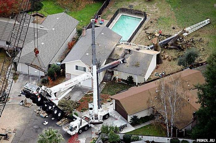 crane-smashes-house-01