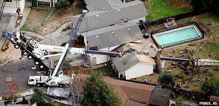 crane-smashes-house-03