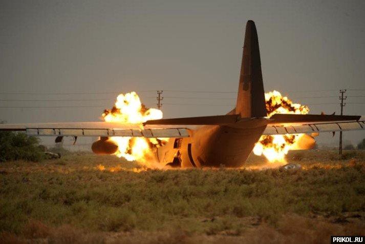crash-landing-151109-06
