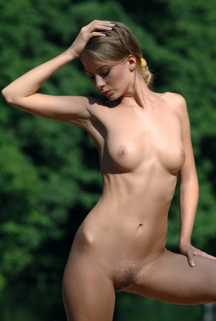 nude-061109-09