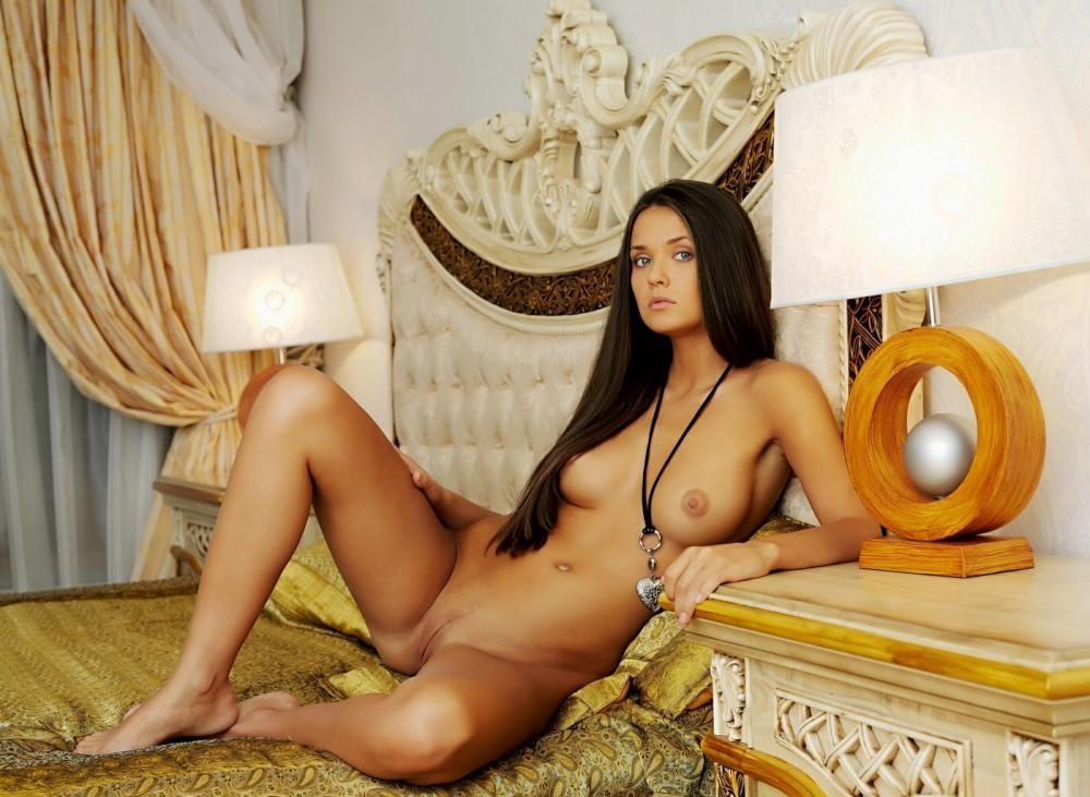 nude-girl-151109-14