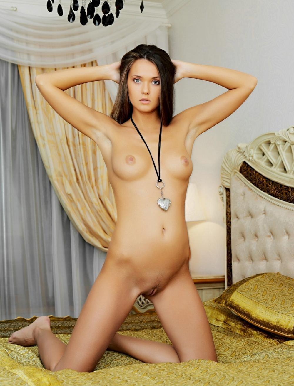 nude-girl-151109-17