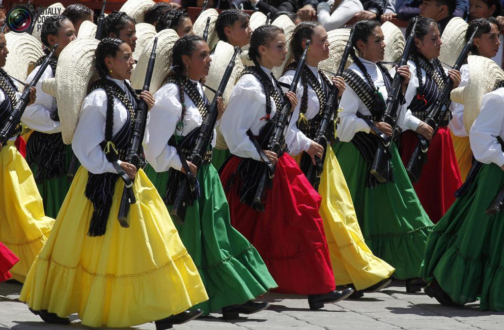 12 военный парад в мехико 16 сентября