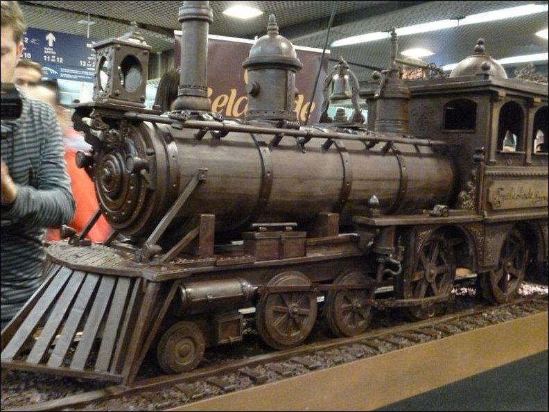 Шоколданый поезд