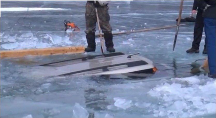 Как достать машину со дна озера