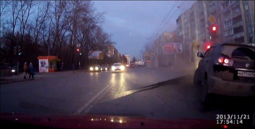 Взрыв водопровода в Екатеринбурге