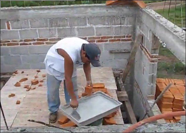 Крыша из кирпича