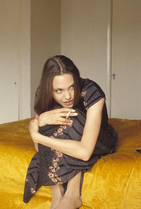 angelina-jolie-1994-06