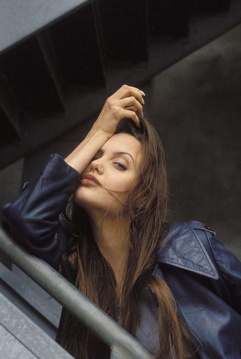 angelina-jolie-1994-18