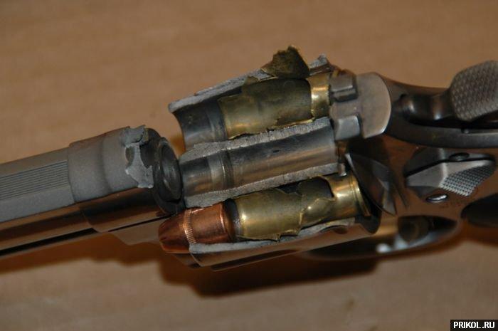 revolver-03