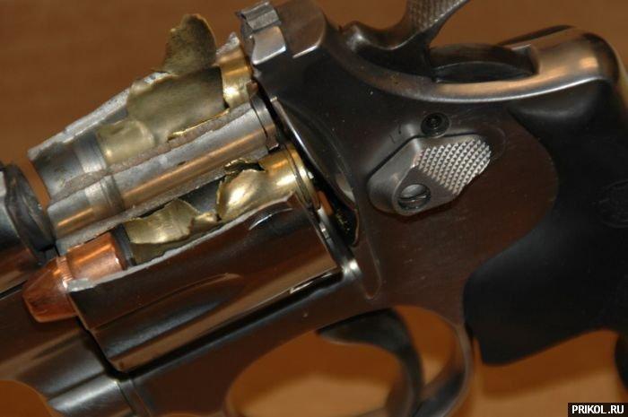revolver-04