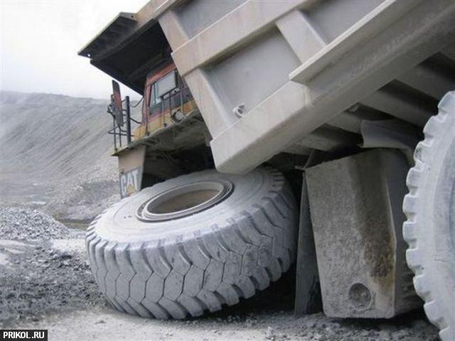 truck-caterpillar-03