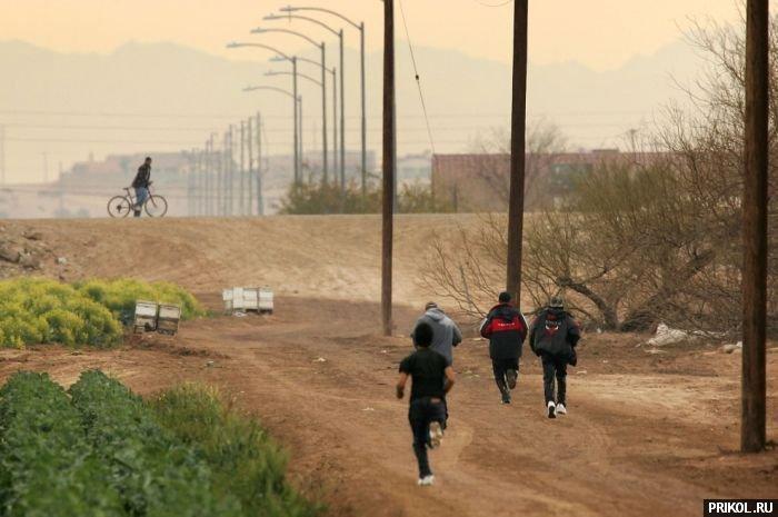 usa-mexico-border-23