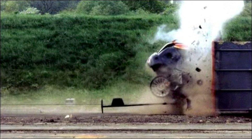 Краш-тест на 193 км/ч