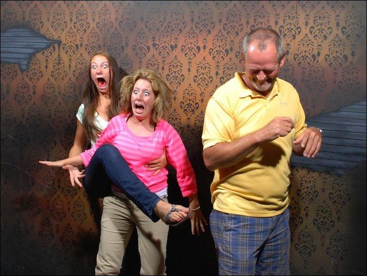 Фото посетителей аттракциона ужасов