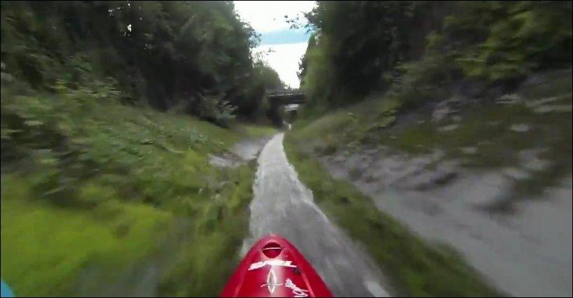 На байдарке по дренажной канаве