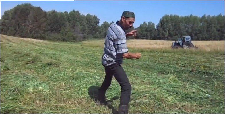 Деревенский танцор