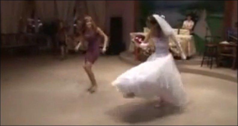 Прикольный танец невесты
