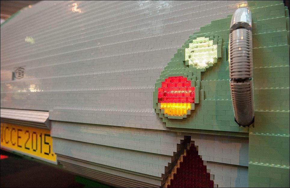 Прицеп-караван из лего