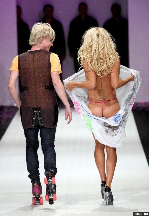 Pamela-Anderson-New-Zeland-04