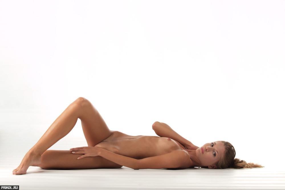 nude-girl-sofia-05